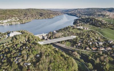 U hráze Brněnské přehrady vznikne most přes Svratku. Dva ze tří návrhů však nepočítají s tubusem proti hluku